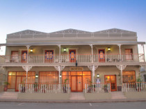 The Victorian Hotel - Montagu Accommodation
